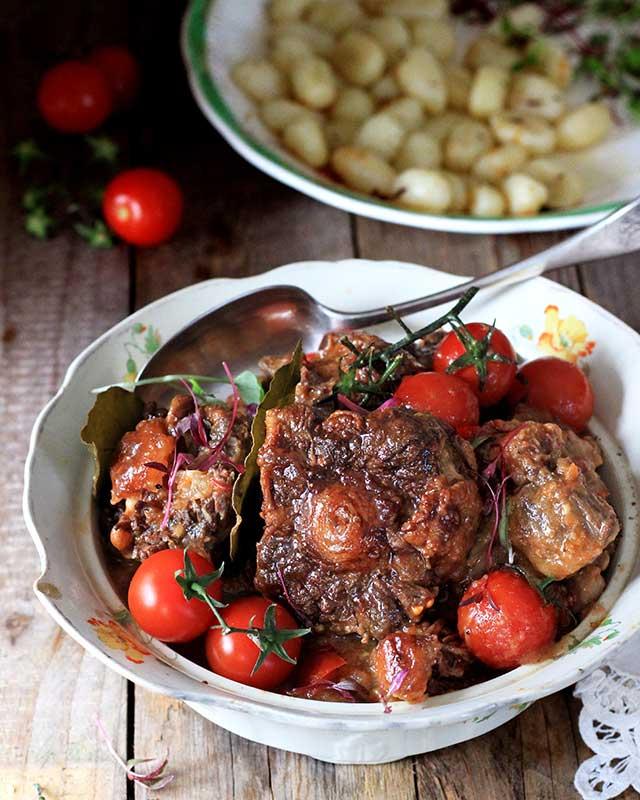 Oxtail tomato bredie