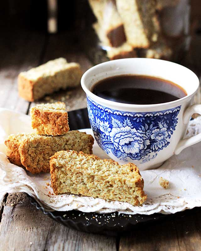 Brown buttermilk rusks