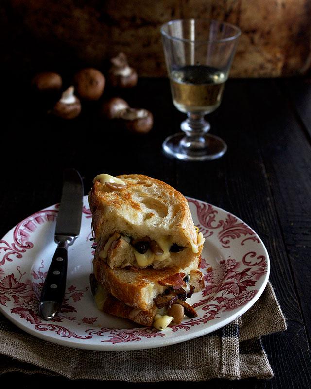 Mushroom mozzarella toasted sandwich
