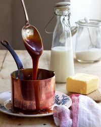 Lizet-Hartley-Food-Photography-Caramel-Sauce-web