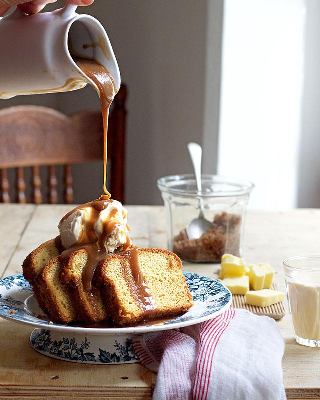 butterscotch-sauce-Lizet-Hartley-Food-Photography